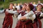 Cēsīs ar kauju rekonstrukciju un dejām, svin Latvijas Uzvaras dienu 82