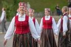 Cēsīs ar kauju rekonstrukciju un dejām, svin Latvijas Uzvaras dienu 83