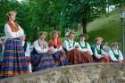 Cēsīs ar kauju rekonstrukciju un dejām, svin Latvijas Uzvaras dienu 86