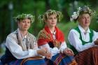 Cēsīs ar kauju rekonstrukciju un dejām, svin Latvijas Uzvaras dienu 87