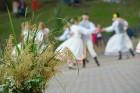Cēsīs ar kauju rekonstrukciju un dejām, svin Latvijas Uzvaras dienu 92