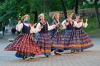 Cēsīs ar kauju rekonstrukciju un dejām, svin Latvijas Uzvaras dienu 94