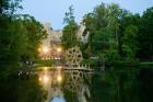 Cēsīs ar kauju rekonstrukciju un dejām, svin Latvijas Uzvaras dienu 98