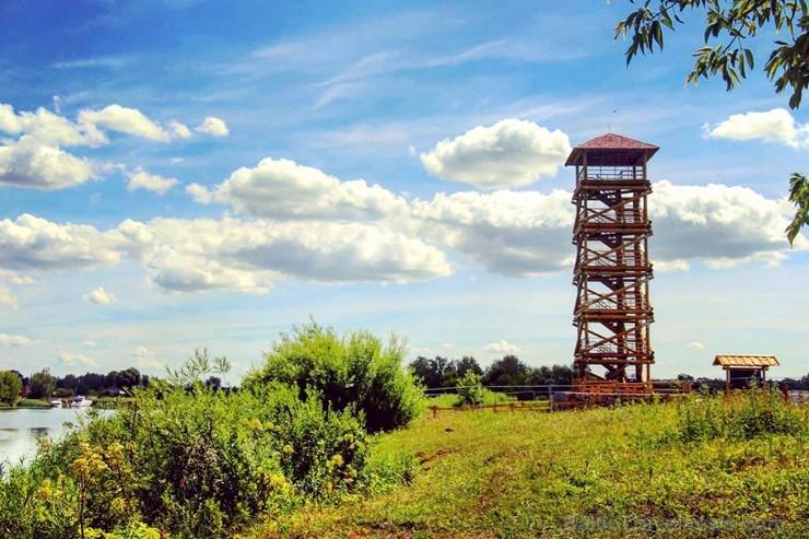 Jelgavas Pils salā izveidots teju 20 metru garš skatu tornis un piknika vieta