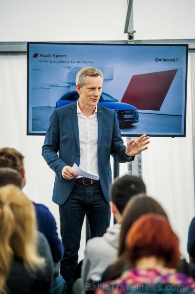 Travelnews.lv izmēģina Audi RS 3 un Audi RS 4 dinamiskās īpašības Biķernieku trasē