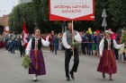 Dziesmu un deju svētku atklāšanas gājiens pulcē Rīgā visus Latvijas novadus (701-800) 1