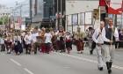 Dziesmu un deju svētku atklāšanas gājiens pulcē Rīgā visus Latvijas novadus (701-800) 70