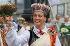 Dziesmu un deju svētku atklāšanas gājiens pulcē Rīgā visus Latvijas novadus (801-845) 1