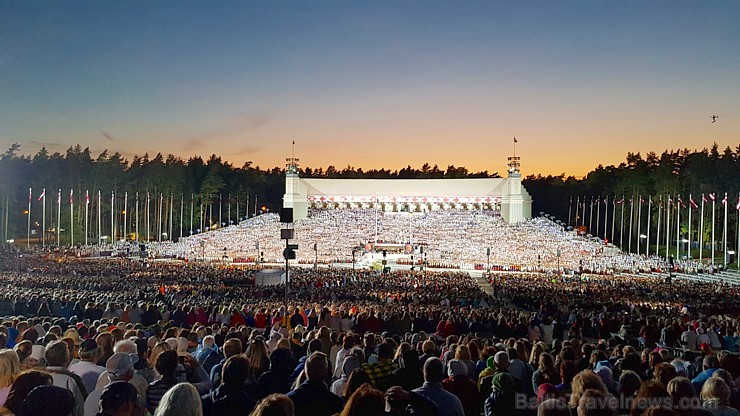 Travelnews.lv piedāvā fotomirkļus no noslēguma koncerta «Zvaigžņu ceļā»