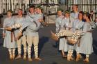 Pirms deju lieluzveduma «Māras zeme» dejotāji uzķer foto mirkļus 5