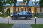 Travelnews.lv ar jauno «Volvo XC90» izbauda Skrundas muižas viesmīlību 10