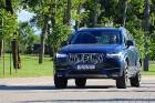 Travelnews.lv ar jauno «Volvo XC90» izbauda Skrundas muižas viesmīlību 58