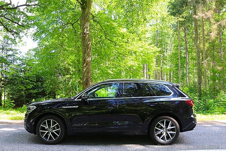 Travelnews.lv ar jauno «Volkswagen Touareg» apceļo Krāslavas novadu Latgalē