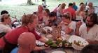 Travelnews.lv 14.07.2018. izbauda «Lejasezera garšas svētki» Zaubē zem Zaubes slavenā dižozola. Bildēts ar Samsung Galaxy Note8 31