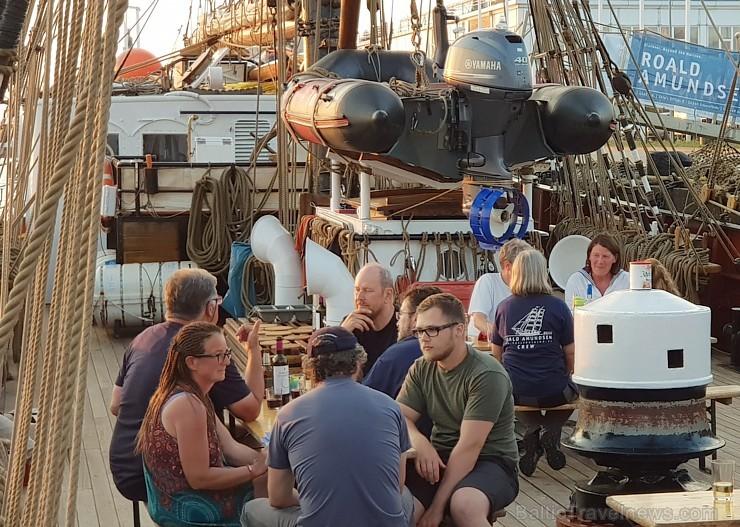 Travelnews.lv apciemo burinieku «Roald Amundsen» Rīgas ostā