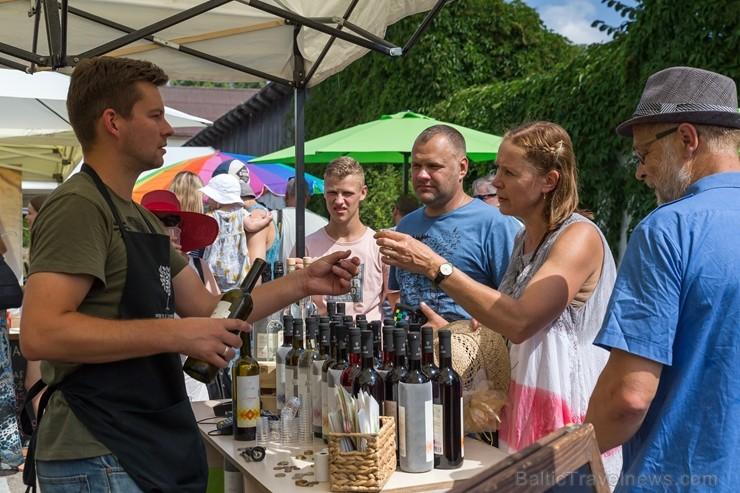 Nosvinēti Sabiles Vīna svētki