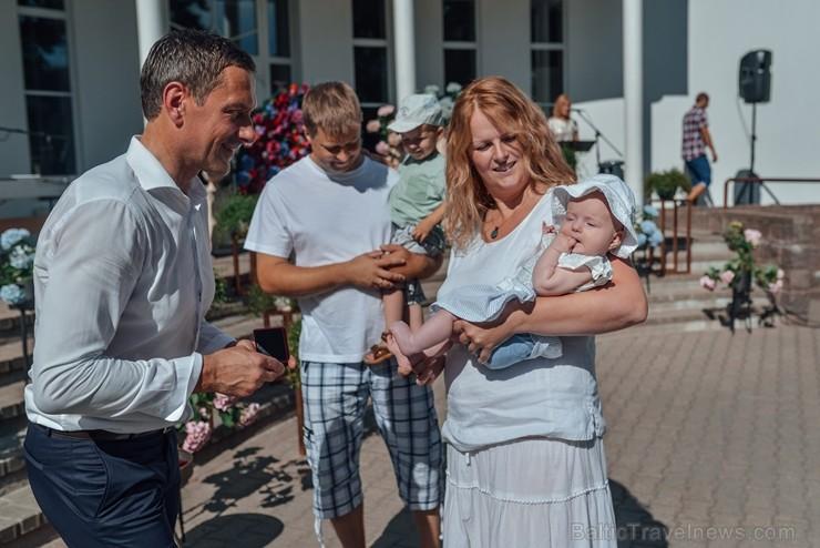 Siguldā īpaši sveic novada jaundzimušos un to ģimenes