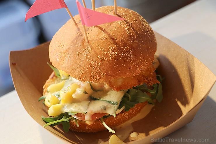 Otrais «Rīgas Burgeru Festivāls 2018» 4.08.2018 noskaidroja ātrāko ēdāju un labāko burgeru