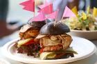 Otrais «Rīgas Burgeru Festivāls 2018» 4.08.2018 noskaidroja ātrāko ēdāju un labāko burgeru 35