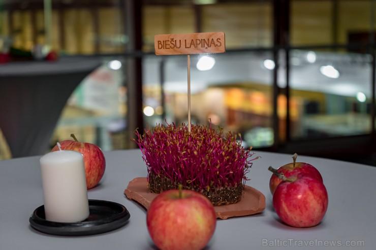 Latvijas 2018. gada pavārs ir Dinārs Zvidriņš un pavārzellis ir Anastasija Verbicka. Atbalsta: Riga Food 2018. Foto: Saltnpepper.lv