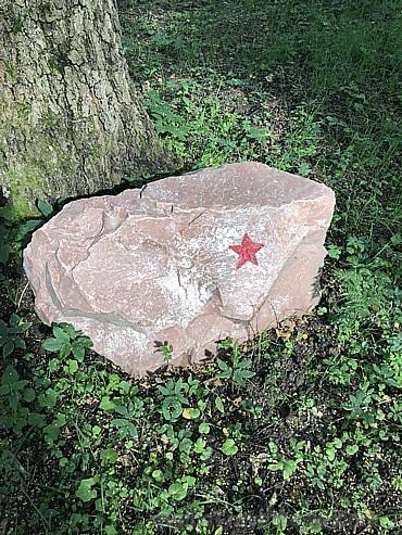 Pat akmeņiem ir piemiņas zīme