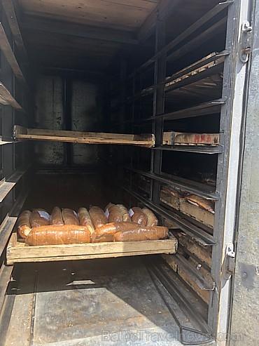 Maizīti uz veikaliem ved kā senos laikos, speciālās maizes mašīnās