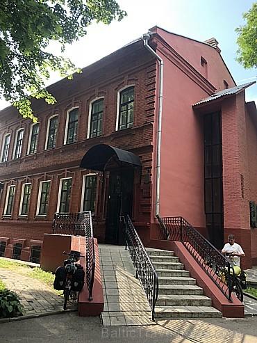 Vitebskā pat divi Šagāla muzeji. Viens iekārtots viņa dzimtajā māja, šajā aplūkojami viņa darbi