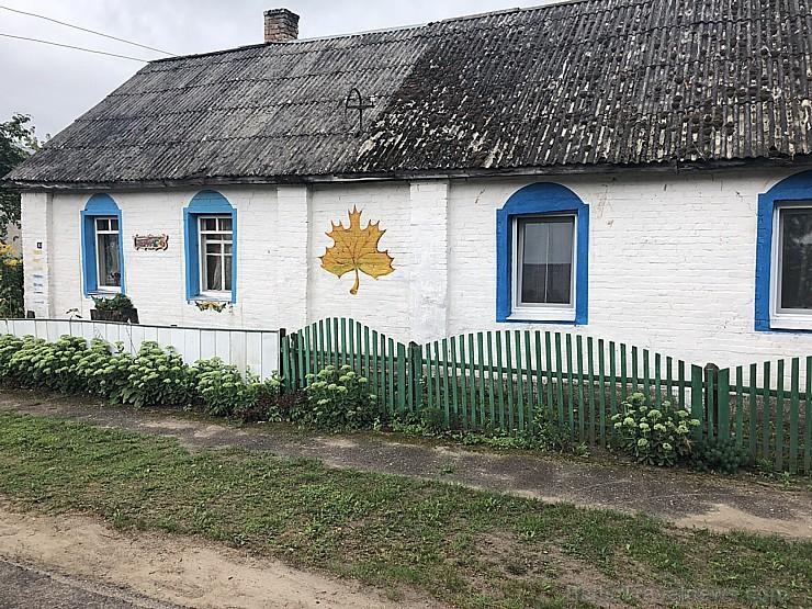 Arī neliela kļavas lapa var krāsot namu un dzīvi