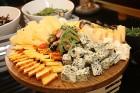 Viesnīcas «Grand Hotel Kempinski Rīga» restorāns «Amber» piedāvā jaunu konceptu «Vēlās brokastis ar ģimeni» 35