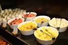 Viesnīcas «Grand Hotel Kempinski Rīga» restorāns «Amber» piedāvā jaunu konceptu «Vēlās brokastis ar ģimeni» 52