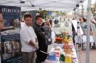 Lai stiprinātu esošās un radītu jaunas putras ēšanas tradīcijas, Starptautiskajā Putras dienā Rīgas centrā vēra vaļā Simtgades putras vēstniecību 14