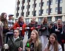 Lai stiprinātu esošās un radītu jaunas putras ēšanas tradīcijas, Starptautiskajā Putras dienā Rīgas centrā vēra vaļā Simtgades putras vēstniecību 15
