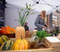 Lai stiprinātu esošās un radītu jaunas putras ēšanas tradīcijas, Starptautiskajā Putras dienā Rīgas centrā vēra vaļā Simtgades putras vēstniecību 16