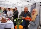 Lai stiprinātu esošās un radītu jaunas putras ēšanas tradīcijas, Starptautiskajā Putras dienā Rīgas centrā vēra vaļā Simtgades putras vēstniecību 17