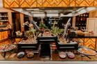 Vecrīgas restorāns «Amber» katru svētdienu piedāvā jaunu konceptu «Vēlās brokastis ar ģimeni». Foto no Aksels Zirnis Photographie 2
