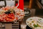 Vecrīgas restorāns «Amber» katru svētdienu piedāvā jaunu konceptu «Vēlās brokastis ar ģimeni». Foto no Aksels Zirnis Photographie 4