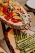 Vecrīgas restorāns «Amber» katru svētdienu piedāvā jaunu konceptu «Vēlās brokastis ar ģimeni». Foto no Aksels Zirnis Photographie 6