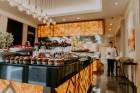 Vecrīgas restorāns «Amber» katru svētdienu piedāvā jaunu konceptu «Vēlās brokastis ar ģimeni». Foto no Aksels Zirnis Photographie 17