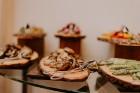 Vecrīgas restorāns «Amber» katru svētdienu piedāvā jaunu konceptu «Vēlās brokastis ar ģimeni». Foto no Aksels Zirnis Photographie 21