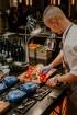Vecrīgas restorāns «Amber» katru svētdienu piedāvā jaunu konceptu «Vēlās brokastis ar ģimeni». Foto no Aksels Zirnis Photographie 26