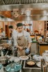 Vecrīgas restorāns «Amber» katru svētdienu piedāvā jaunu konceptu «Vēlās brokastis ar ģimeni». Foto no Aksels Zirnis Photographie 29
