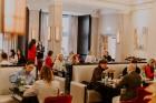 Vecrīgas restorāns «Amber» katru svētdienu piedāvā jaunu konceptu «Vēlās brokastis ar ģimeni». Foto no Aksels Zirnis Photographie 36