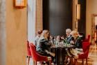Vecrīgas restorāns «Amber» katru svētdienu piedāvā jaunu konceptu «Vēlās brokastis ar ģimeni». Foto no Aksels Zirnis Photographie 39