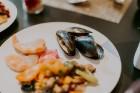 Vecrīgas restorāns «Amber» katru svētdienu piedāvā jaunu konceptu «Vēlās brokastis ar ģimeni». Foto no Aksels Zirnis Photographie 44