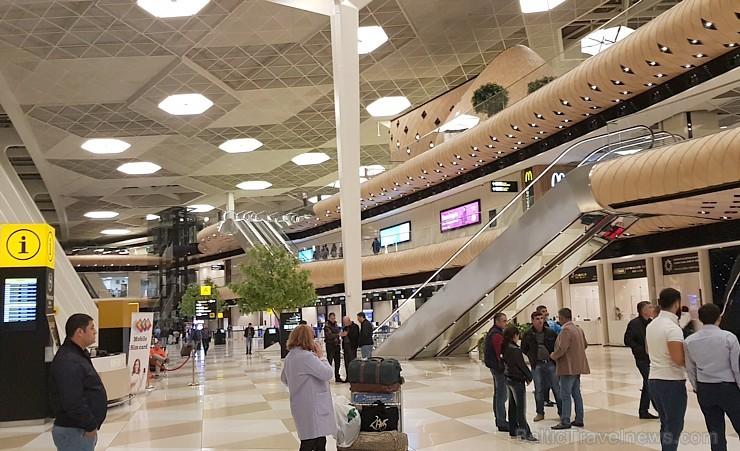 Travelnews.lv izbauda «airBaltic» lidojumu un apbrīno Heidara Alijeva starptautisko lidostu Baku. Sadarbībā ar Latvijas vēstniecību Azerbaidžānā un tū