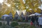 Katra oktobra otrajā sestdienā Valmieras rātslaukumā pilsētas viesi tiek aicināti uz pamatīgu andeli tradicionālajā Simjūda gadatirgū, kas vēsturiski  11