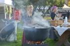 Katra oktobra otrajā sestdienā Valmieras rātslaukumā pilsētas viesi tiek aicināti uz pamatīgu andeli tradicionālajā Simjūda gadatirgū, kas vēsturiski  18