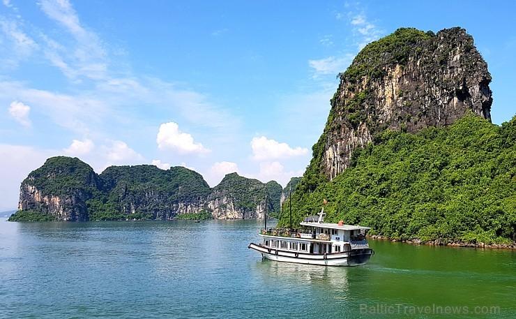 Travelnews.lv ar kruīzu kuģi dodas divu dienu ceļojumā uz Halongas līci Vjetnamā. Sadarbībā ar 365 brīvdienas un Turkish Airlines 235260