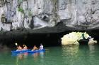 Travelnews.lv ar vjetnamiešu laivu Halongas līcī apciemo savvaļas pērtiķus. Sadarbībā ar 365 brīvdienas un Turkish Airlines 8