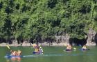 Travelnews.lv ar vjetnamiešu laivu Halongas līcī apciemo savvaļas pērtiķus. Sadarbībā ar 365 brīvdienas un Turkish Airlines 20